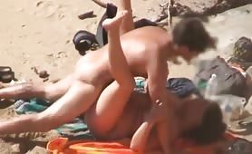Amateur BBW fucked by skinny dude on beach